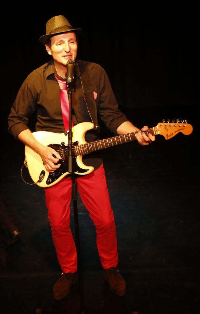 Roger Cactus sur scène - Le bal Roger Cactus